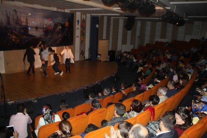 Tekden Koleji'nde Yabancı Diller Festivali
