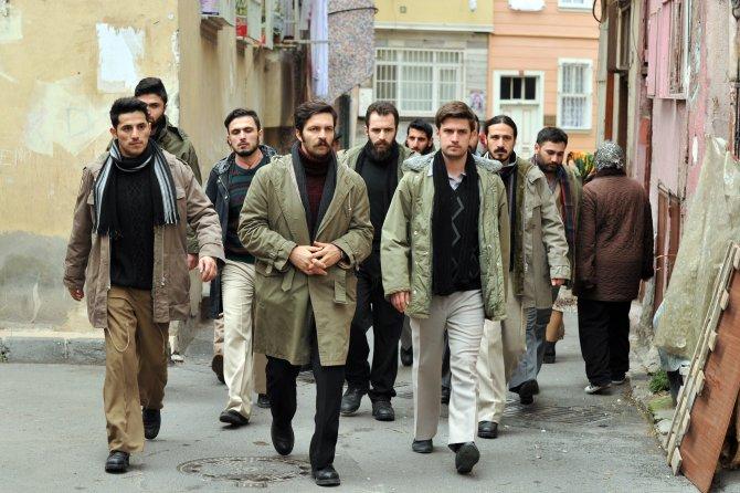 TRT'de 68 kuşağını anlatan Sevda Kuşun Kanadı'nda dizisi başlıyor