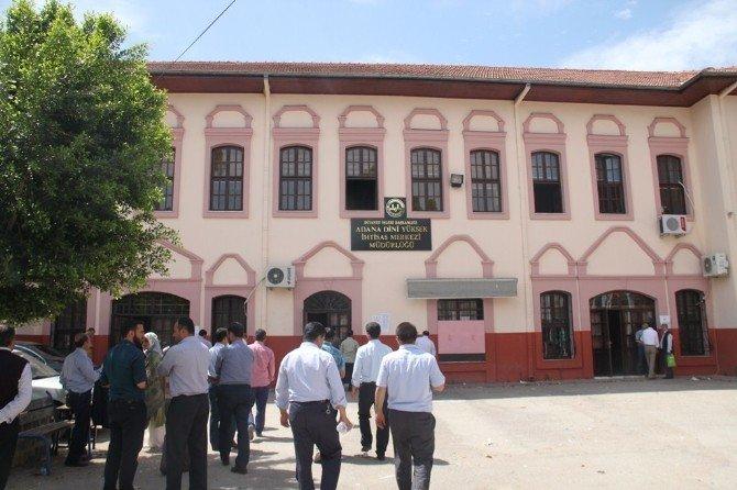 Müftü Ve Vaiz Adayları İçin Adana'da Sınav Yapıldı