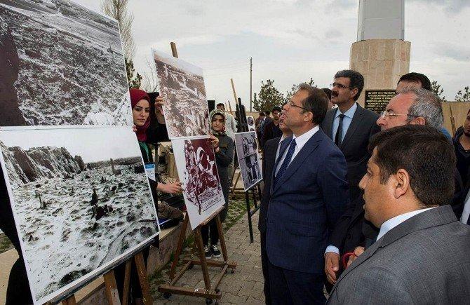 """Vali İbrahim Taşyapan, """"Çanakkale'den Zeve'ye Tarihin İzinde"""" Konulu Fotoğraf Sergisine Katıldı"""