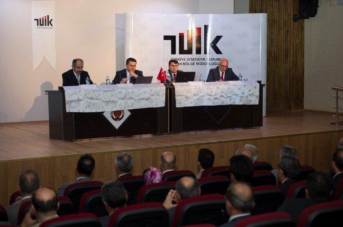 Vali Taşyapan, TÜİK'in 'Eğitim Ve İstatistik' Paneline Katılı
