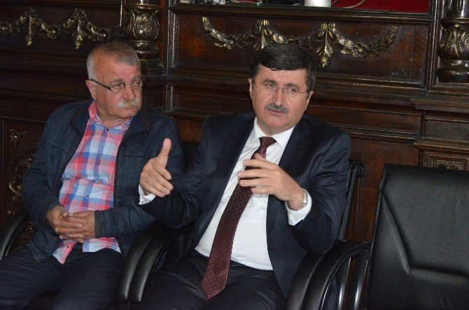 Trabzon Valisi Öz, Maçtaki Güvenlik Zafiyeti İddialarına İlişkin İnceleme Başlattıklarını Açıkladı
