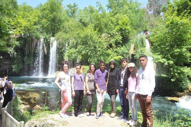 YGS'de Başarılı Olan Şırnaklı Öğrencilere Antalya'da 5 Yıldızlı Tatil