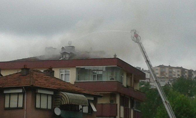 Yangında 8 daire boşaltıldı