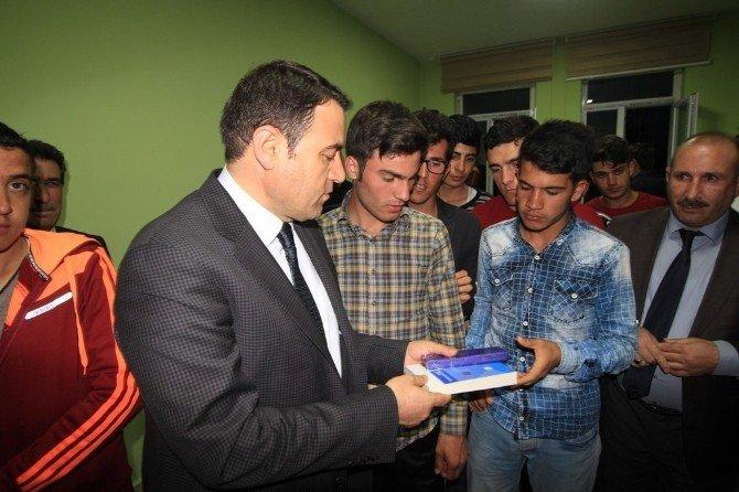 Vali Işın'dan Öğrenci Yurdu Ziyareti