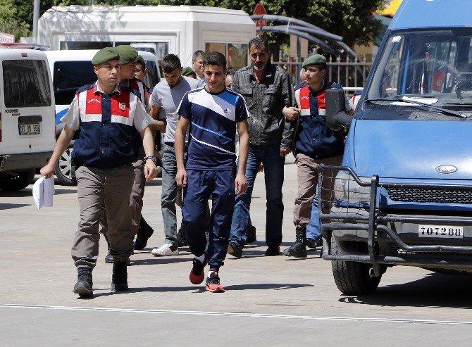 Antalya'da Tarihi Hamamtaşı Operasyonu: 4 Gözaltı