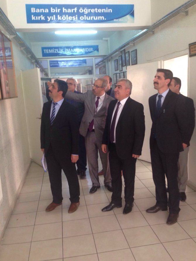 Diyarbakır İl Milli Eğitim Müdürü okulları gezdi