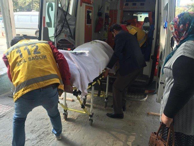 Balkona Halı Asarken İkinci Kattan Aşağı Düştü