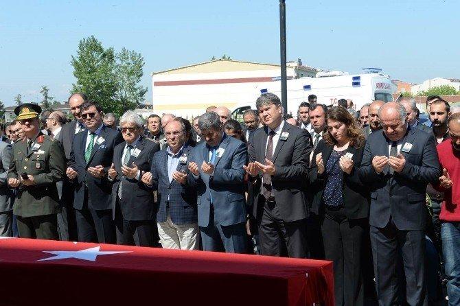 Hakim Işık'a Adliye'de Tören Düzenlendi