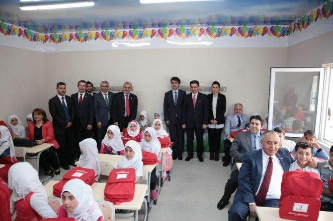 Suriyeli çocuklar için eğitim merkezi açıldı