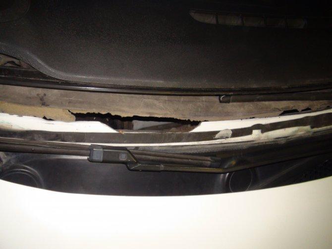 Otomobil kaputundan 25 kilo eroin çıktı