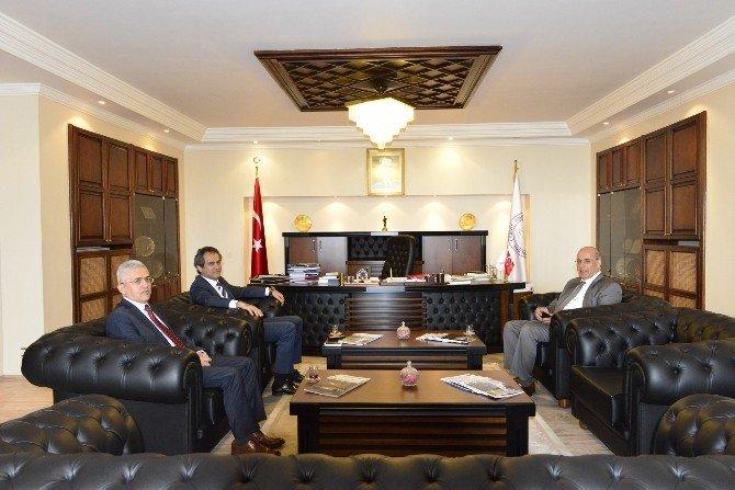 Orman Bülent Ecevit Üniversitesi'nin Konuğu Oldu