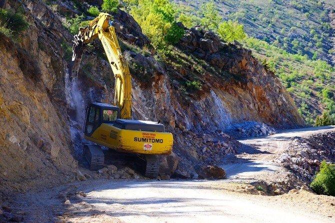 8 Mahallede Yol Çalışması Yapılıyor