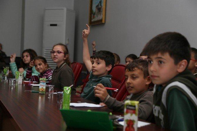 Başkan Kesimoğlu Öğrencilerin Sorularını Yanıtladı