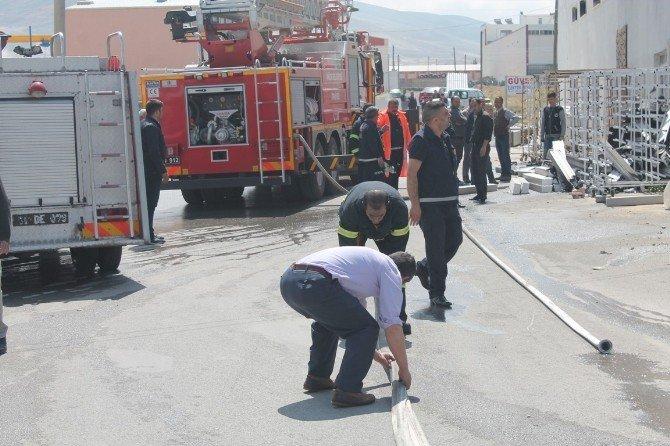 Niğde'de İş Yerinde Çıkan Yangın Maddi Zarara Yol Açtı