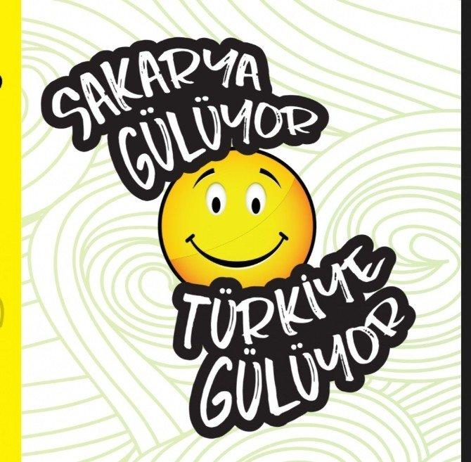 SAÜ Öğrencilerinden 'Sakarya Gülüyor Türkiye Gülüyor' İsimli Sosyal Farkındalık Projesi