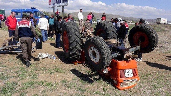 Devrilen Traktörün Altında Öldü