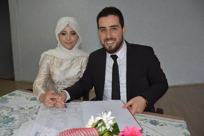 Ünlü Türkücü Kızılcahamam'da Evlendi
