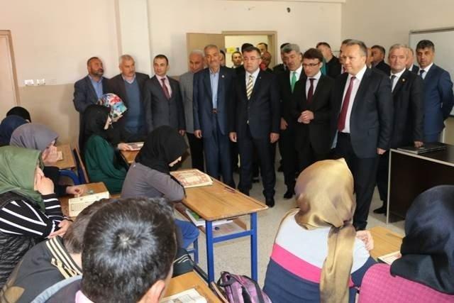 Vali Fidan Yığılca Anadolu İmam Hatip Lisesini Ziyaret Etti