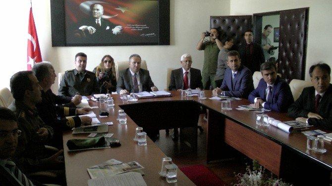 Vali Fidan Akçakoca'da Sahil Güvenlik Toplantısına Başkanlık Etti