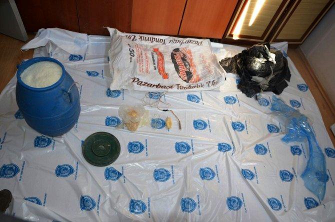 Van'da bomba yapımında kullanılan malzeme ve materyaller ele geçirildi