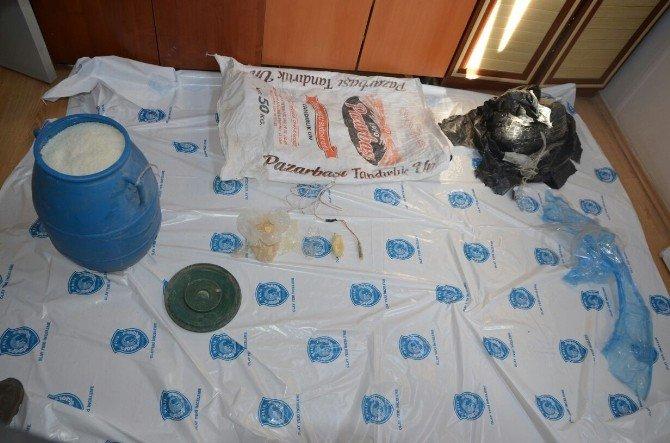 Van'da Bomba Yapımında Kullanılan Malzeme Ele Geçirildi