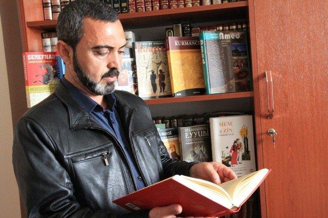YYÜ'de Yaşayan Diller Enstitüsü Çalışmalarını Sürdürüyor
