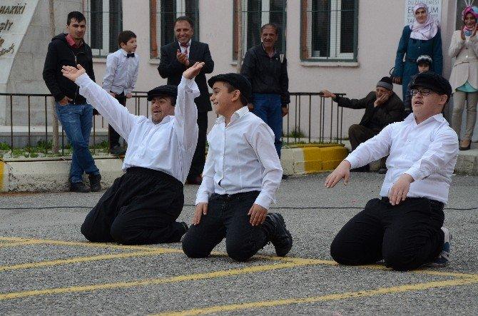 Mecidiye İlkokulunda 'Özel' 23 Nisan Kutlaması
