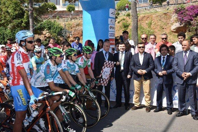 52. Cumhurbaşkanlığı Bisiklet Turu'nda 5. Etabın Startı Verildi