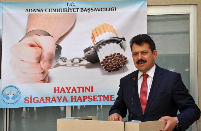 Hakim ve savcılar: Kalemi değil sigarayı kırıyoruz