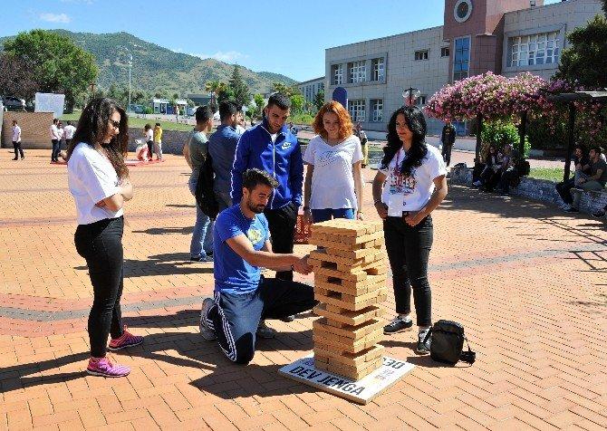 Adu Öğrencileri Rekfestle Doyasıya Eğlendi