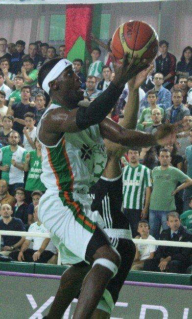 Akın Çorap Yeşilgiresun Belediyespor'da 2 Oyuncu Kadro Dışı Bırakıldı