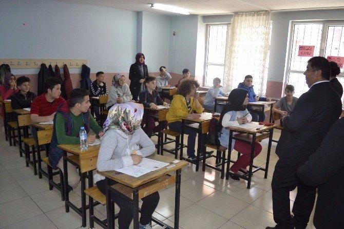 Alaplı'da TEOG Sınavına 598 Öğrenci Katıldı