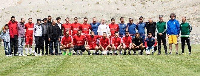 Alima Yeni Malatyaspor Teknik Heyeti İle Basın Maç Yaptı