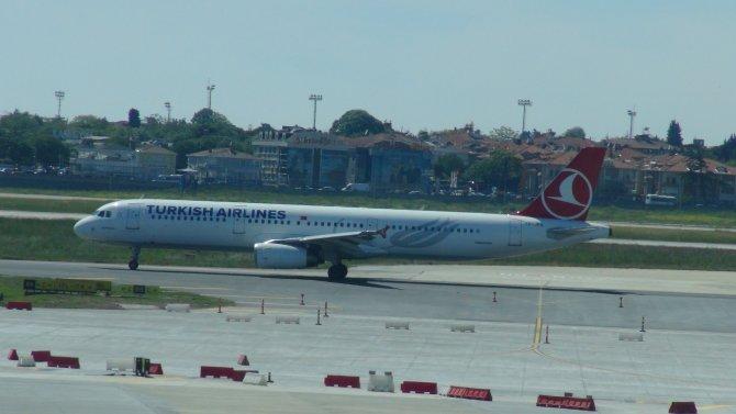 THY uçağı sahipsiz çanta sebebiyle boşaltıldı
