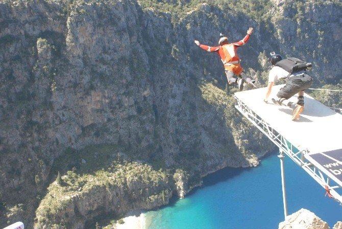 Adrenalin İçin Cennete Uçtular