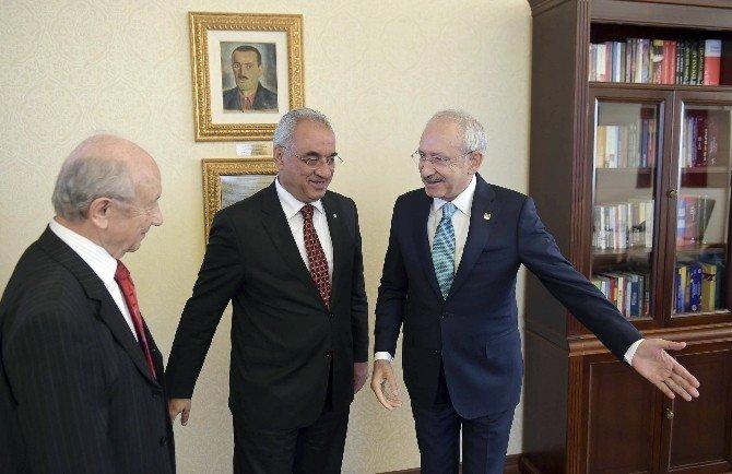 CHP Genel Başkanı Kılıçdaroğlu, DSP Genel Başkanı Aksakal 'I Kabul Etti