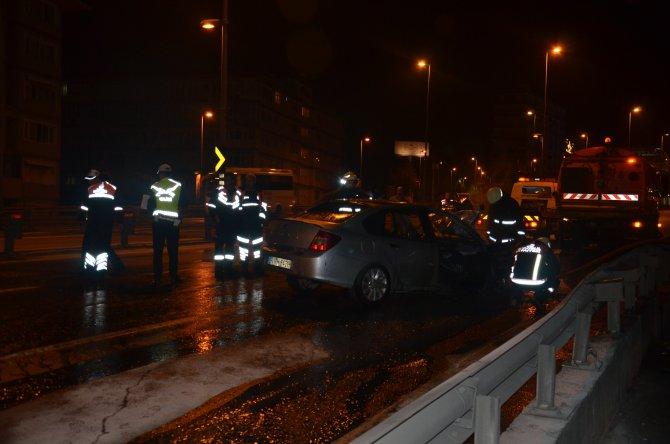 E-5'te seyir halindeki araç yandı