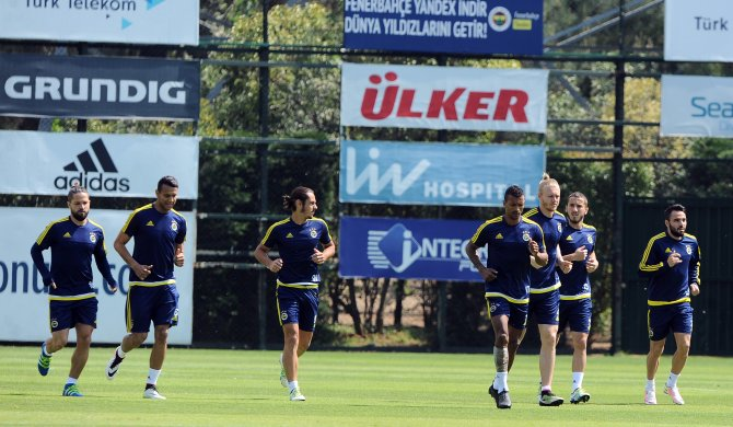 Fenerbahçe, Gaziantepspor maçını taktik antrenmanıyla sürdürdü