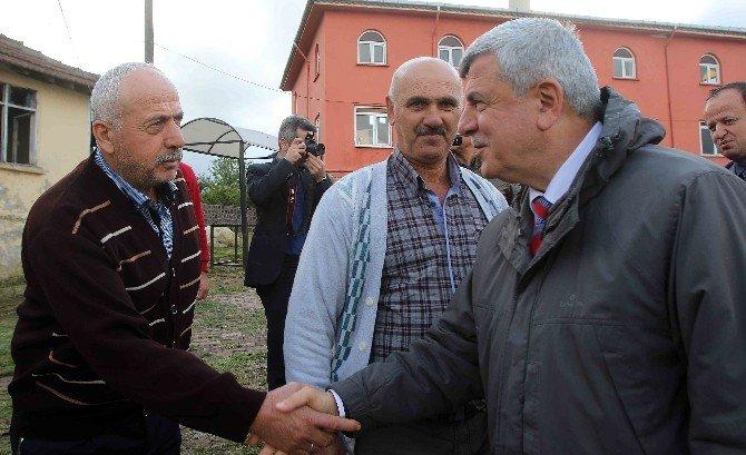 Başkan Karaosmanoğlu, Gölcük'ün Köylerini Ziyaret Etti