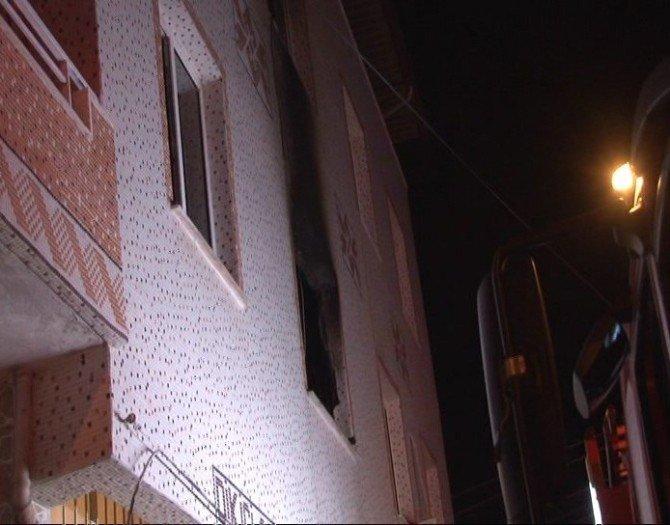 İki Katlı Binada Yangın Çıktı: 1 Ölü