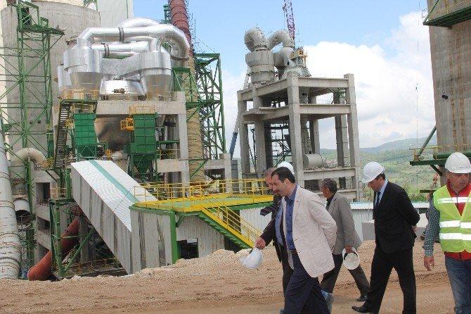 Sarıcaoğlu Çimento Fabrikasını Ziyaret Etti