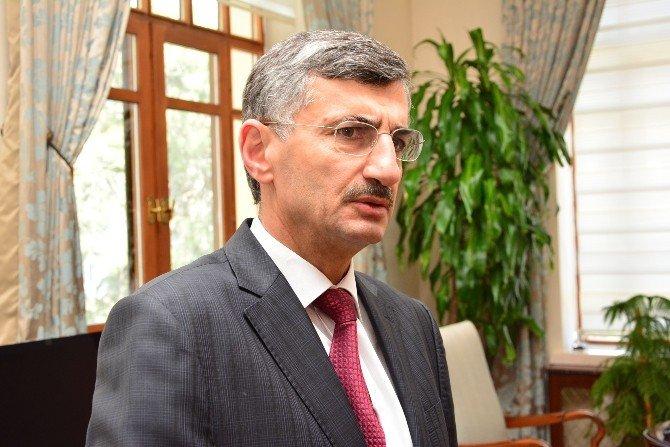"""Manisa Valisi Bektaş: """"Basit, Ufak İki Patlama Var"""""""
