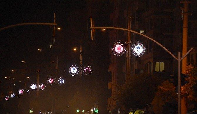 Atatürk Caddesi, Atatürk Ve Ay-yıldızlı Ledlerle Süslendi