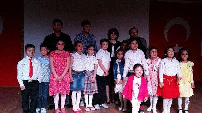 Yozgat 75. Yıl Dr. Müzeyyen Çokdeğerli İlkokulu Öğrencilerinden Şiir Dinletisi