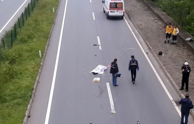 İki Farklı Aracın Çarptığı Kadın Hayatını Kaybetti