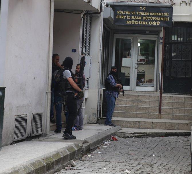 Siirt'te ihbar üzerine bir binaya operasyon düzenlendi