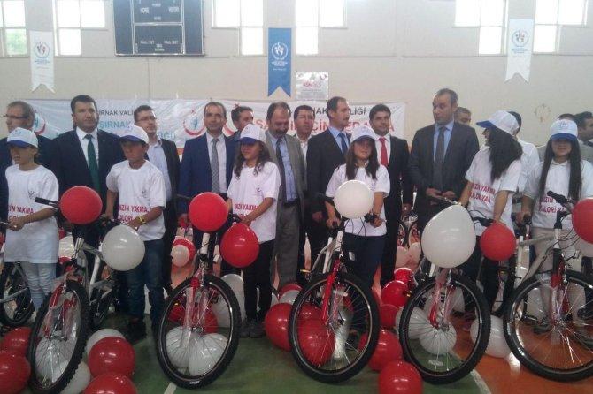 Cizre'de 466 kişiye bisikletleri dağıtıldı