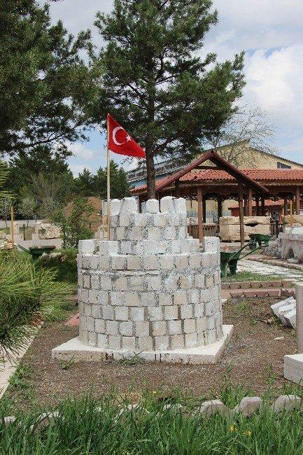 Sivas'taki Tarih Eserlerin Minyatürleri Yapılıyor