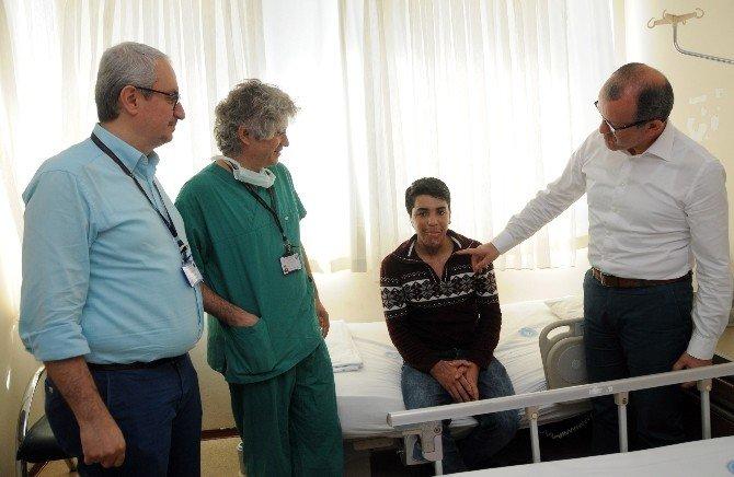 Bombalı Saldırıda Boynu Yanan Genç, Antalya'da Sağlığına Kavuştu